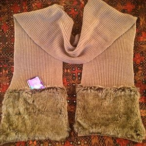 Tan scarf with faux fur pockets